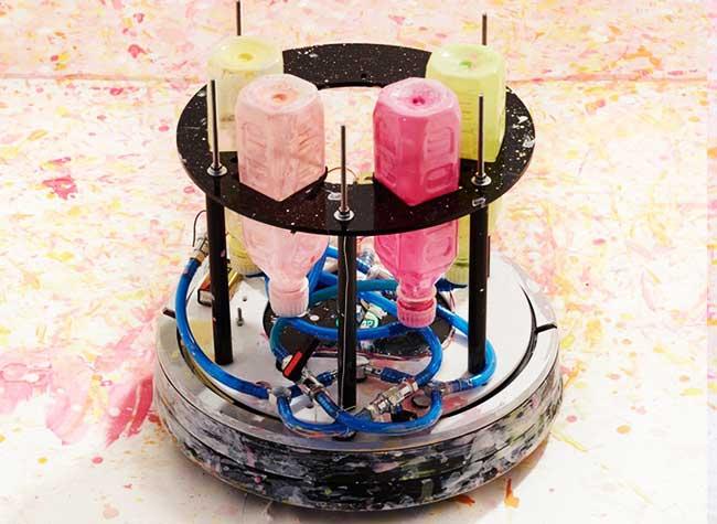 irobot aspirateur artiste peintre masato yamaguchi, Cet Artiste Transforme l'Aspirateur iRobot en Artiste Peintre