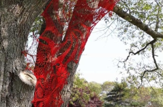 napperons-crochet-installations-art-ashley-v-blalock