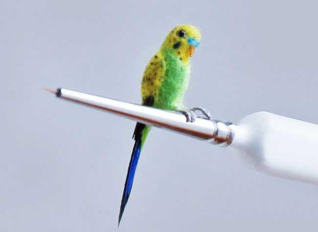 oiseaux sculptures miniatures katie doka 9 - Fantastiques Sculptures Réalistes d'Oiseaux Miniatures