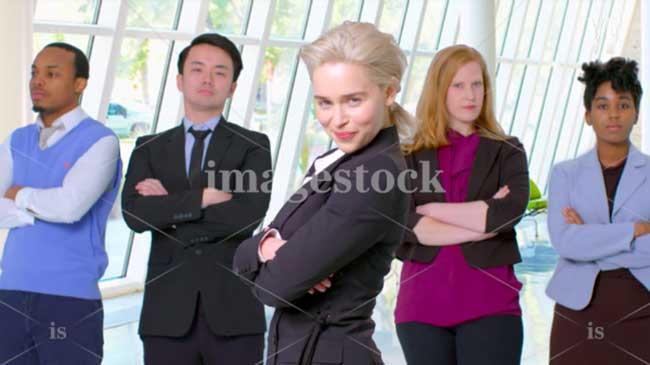emilia clarke banque images parodie vanity fair 1 - Emilia Clarke Parodie les Banques d'Images pour Vanity Fair (video)