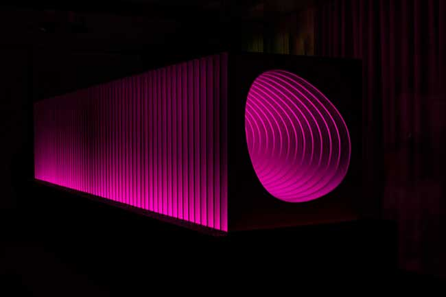 jestico- whiles aperture installation art krion porcelanosa, Installation d'Art Chromatique en Hommage à George Eastman Kodak