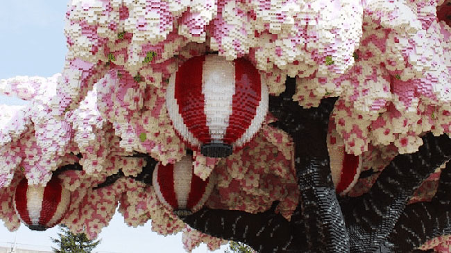 lego arbre cerisier fleurs legoland japon 2 - 800000 Lego pour ce Cerisier en Fleurs Créé par Legoland Japan