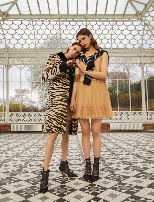 red-valentino-campagne-pre-fall-2018, RED Valentino en Campagne au Musée Horniman de Londres