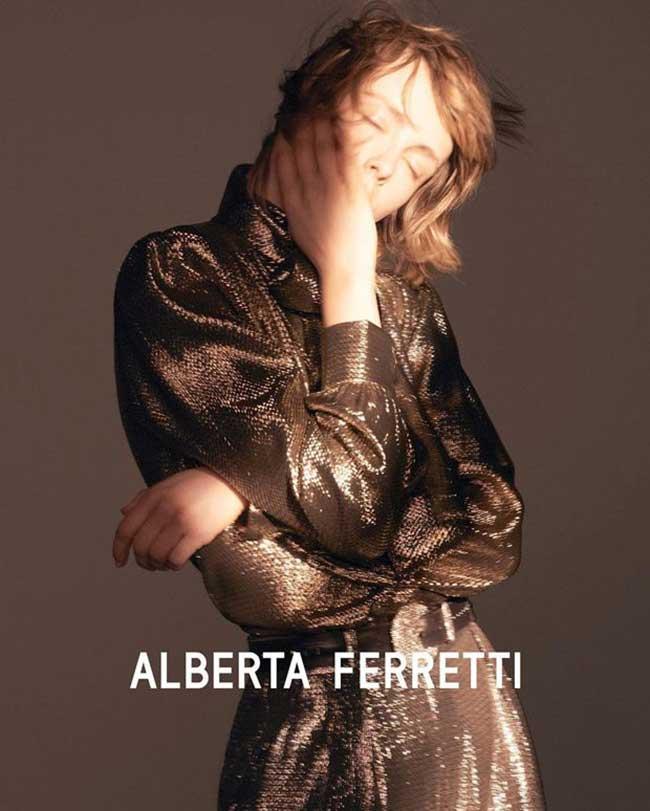 alberta ferretti campagne automne hiver 2018 2019, La Femme Alberta Ferretti de l'Hiver sera Chic et Classique