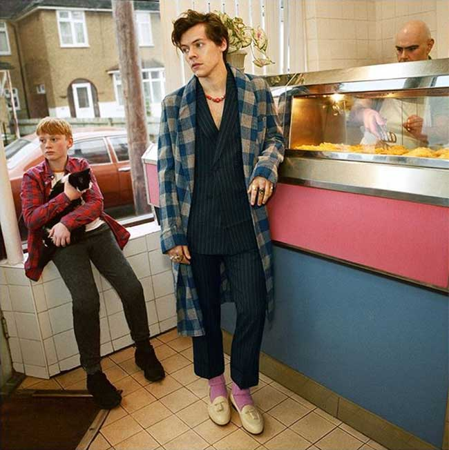 campagne gucci tailoring 2018 harry styles, Gucci Habille Harry Styles pour sa Collection Tailoring