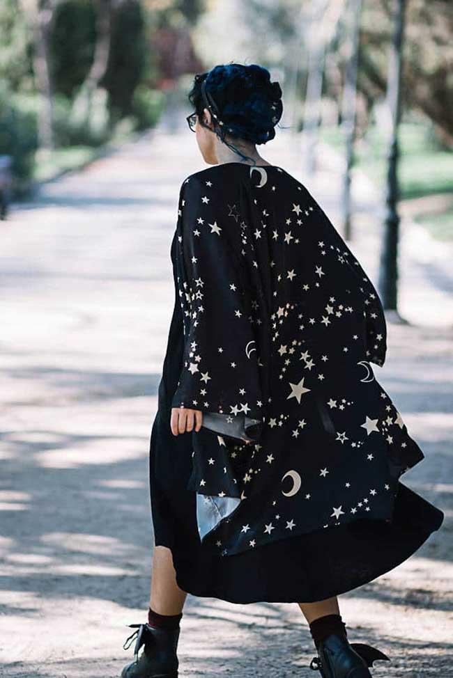 costureroreal galaxie robes kimono, Toute la Beauté de la Galaxie s'Affiche sur Ces Robes