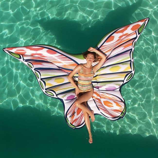 flotteurs papillons missoni funboy 5 - Un Eté au Bord de la Piscine avec ces Matelas Papillons Missoni