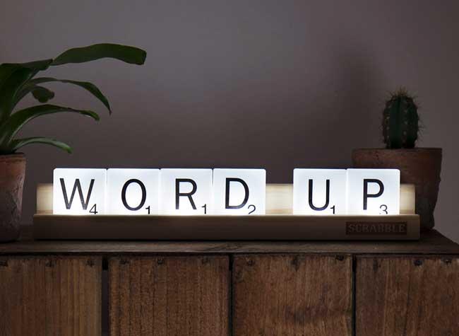 scrabble tile lights lampe led mots deco, Jeux de Mots dans la Déco avec la Lampe Scrabble