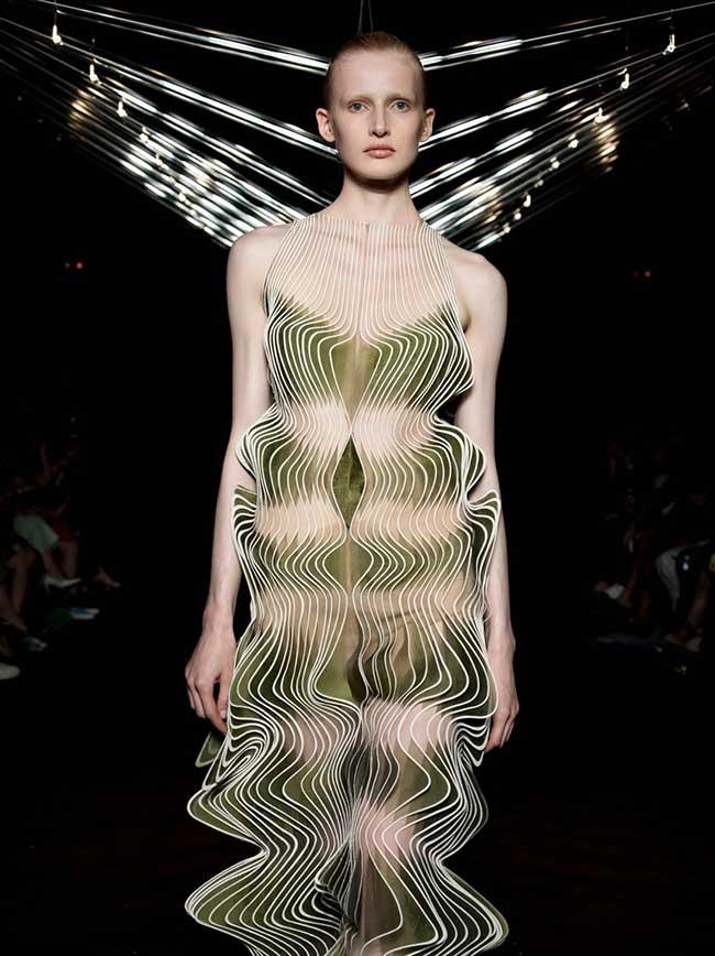 iris van herpen syntopia robes couture cinetique 3 - Syntopia, Robes Haute Couture Cinétiques et Dynamiques