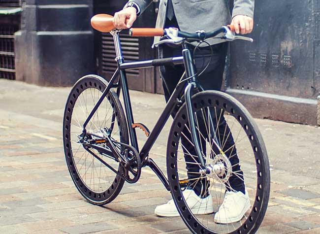 urbanizedbikes velo sans chambre air entretient roues solides 4 - Urbanized Bikes, le Velo Urbain à Roues Solides et Increvables