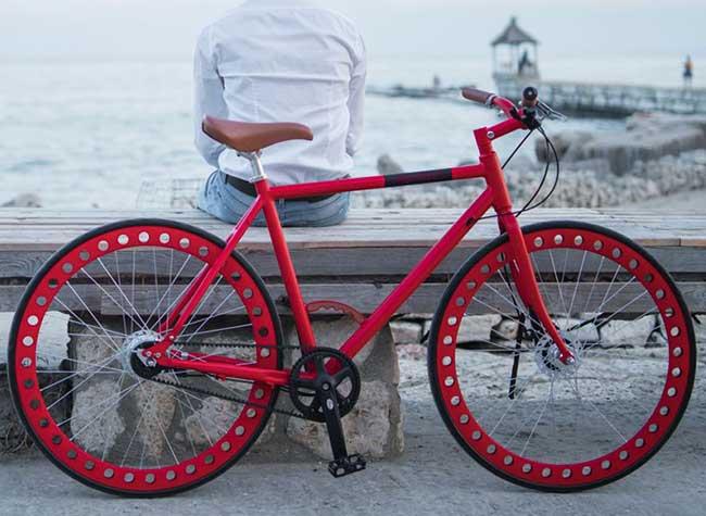 urbanizedbikes velo sans chambre air entretient roues solides 6 - Urbanized Bikes, le Velo Urbain à Roues Solides et Increvables