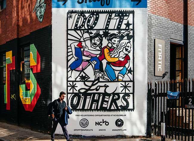 graffiti life poppys papercuts street art papier decoupe