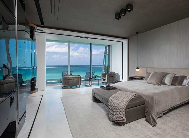 pagani zonda cloidon voiture appartement, Une Pagani Zonda en Cloison dans cet Appartement de Miami