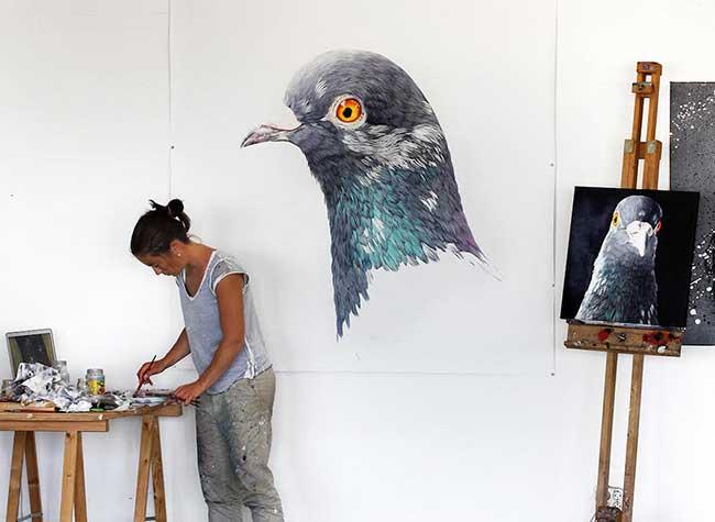 adele renault pigeon fresque peinture biset, Ces Fresques Murales Révèlent la Beauté des Pigeons des Villes