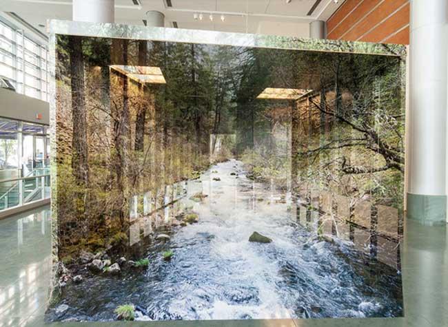 chris engman installation art photographie illusion optique, Voyage Immersif dans une Installation d'Art Photographique