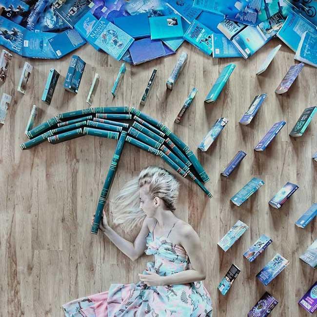 art-livres-photographie elizabeth sagan, Elle Transforme ses Livres en Créatives Scènes Artistiques