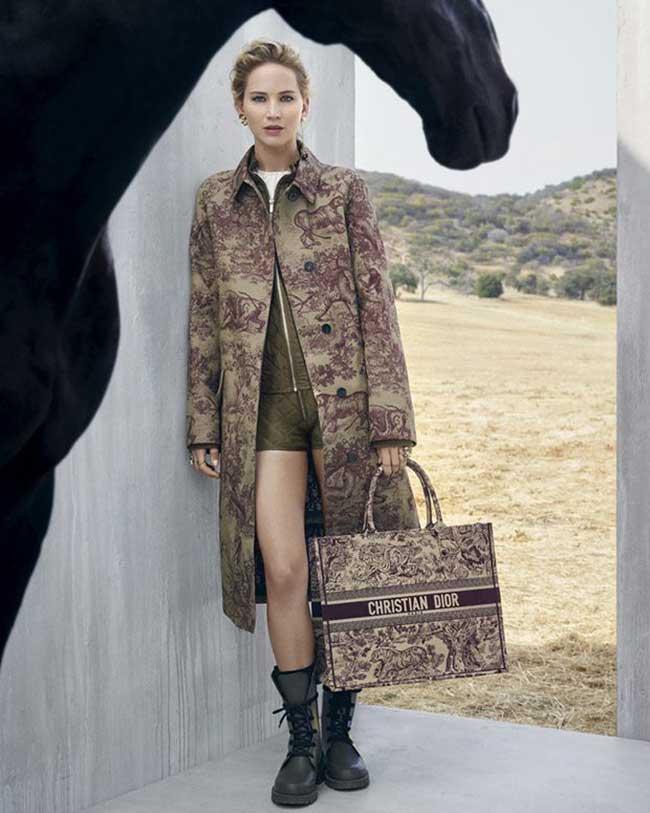 dior femme croisiere 2019 campagne, Jennifer Lawrence en Cavalière Mexicaine pour Dior