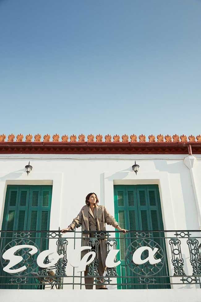 harpers bazaar grece mode lily aldridge, Un Automne Ensoleillé à Hydra en Grèce pour le Harper's Bazaar