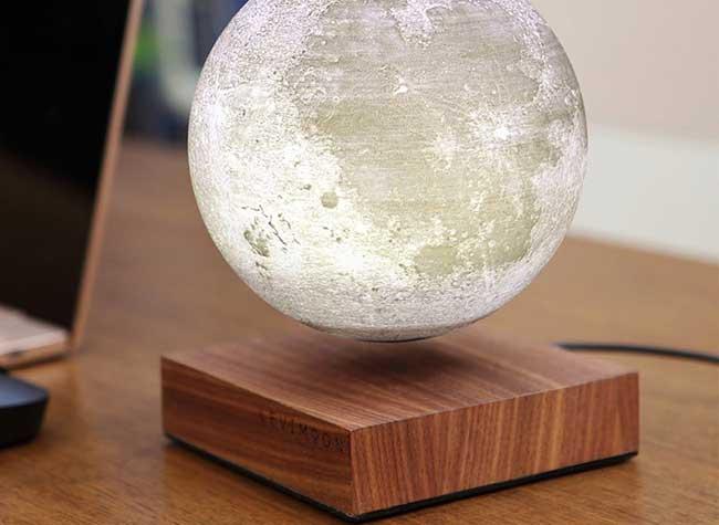 levimoon replique lampe lune led table, Levimoon, la Lampe Lunaire en Lévitation pour Rêveurs