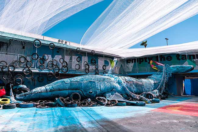 parodie zoo animaux art installation junk bordalo II las vegas