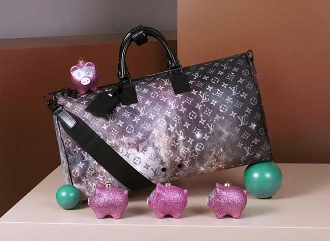 , Louis Vuitton Fête Noël avec une Collection Enchanteresse