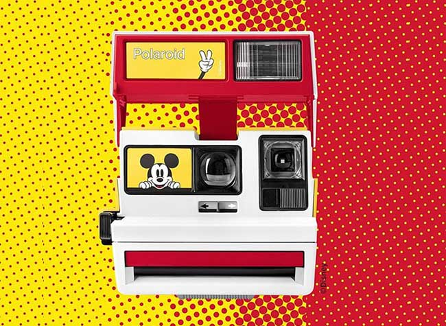 mickey mouse polaroid 600 edition limitee 1 - Mickey Mouse s'Affiche sur l'Appareil Photo Polaroid
