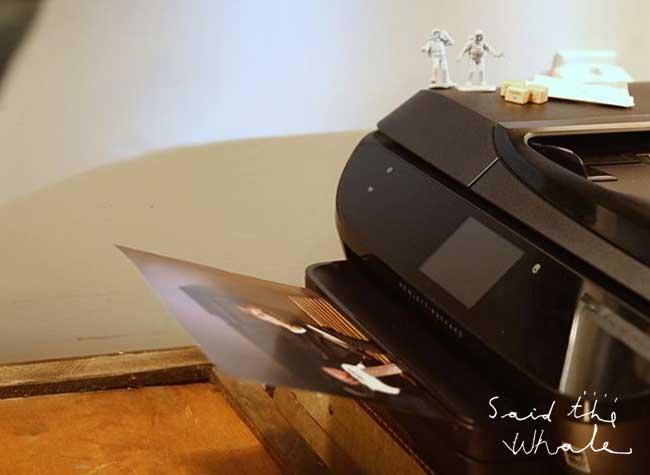 video clip imprimante photo said the whale musique 2 - 2250 Photos Imprimées pour un Video Clip Très Animé