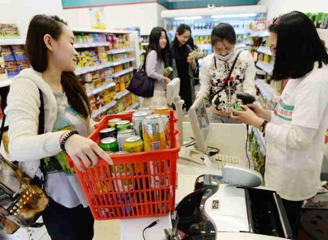 xu zhena installation art xuzhen supermarket supermarche 4 - Pour l'Amour de l'Art ce Supermarché Vend des Produits Vides (video)