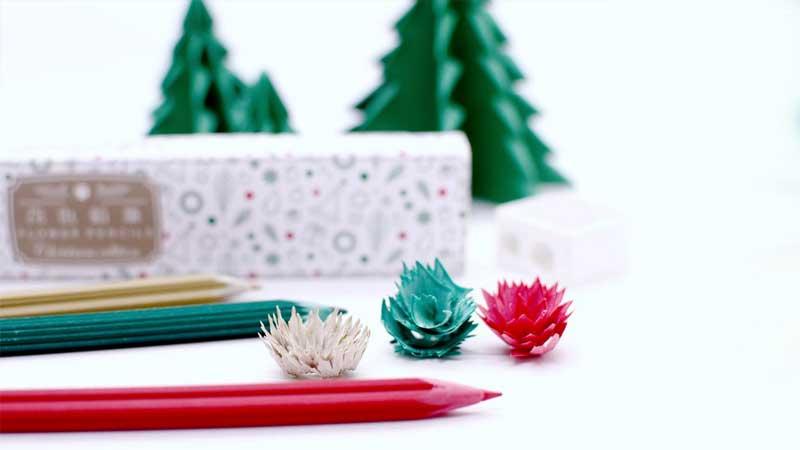 crayons couleur noel copeaux fete 1 - Crayons de Couleur de Noël aux Copeaux Festifs