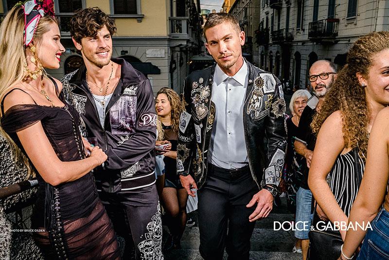 campagne dolce gabbana homme ete 2019 4 - L'Homme Dolce Gabbana Descend dans la Rue pour Fêter l'Ete