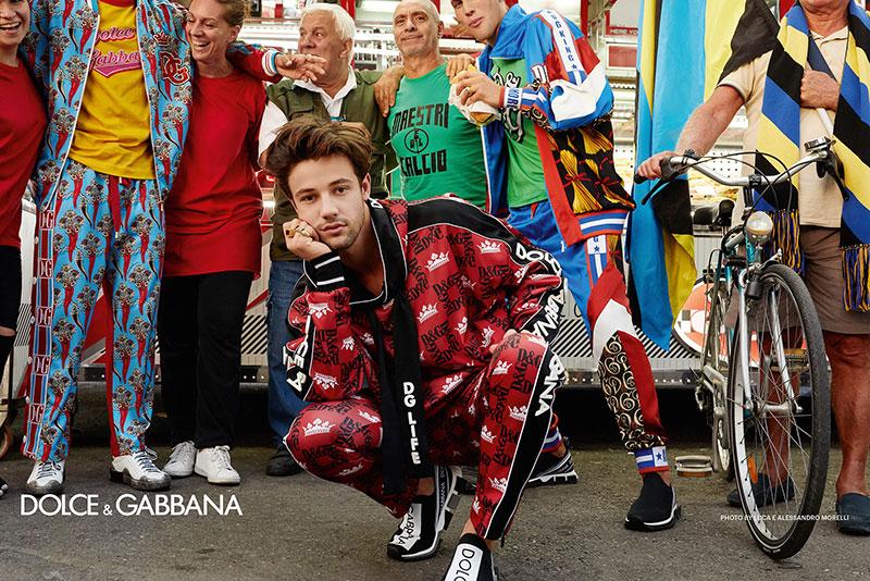 campagne dolce gabbana homme ete 2019 7 - L'Homme Dolce Gabbana Descend dans la Rue pour Fêter l'Ete