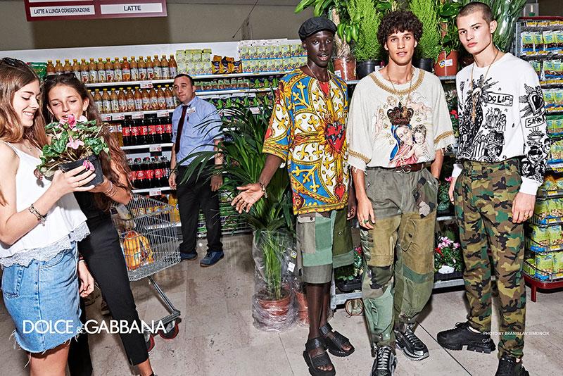 campagne dolce gabbana homme ete 2019 8 - L'Homme Dolce Gabbana Descend dans la Rue pour Fêter l'Ete