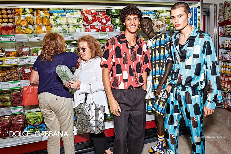 campagne dolce gabbana homme ete 2019 9 - L'Homme Dolce Gabbana Descend dans la Rue pour Fêter l'Ete