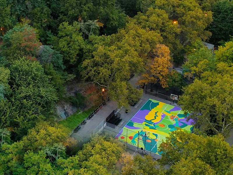 Street art terrain basket madsteez, Il Transforme un Terrain de Basket en Fresque Artistique (video)