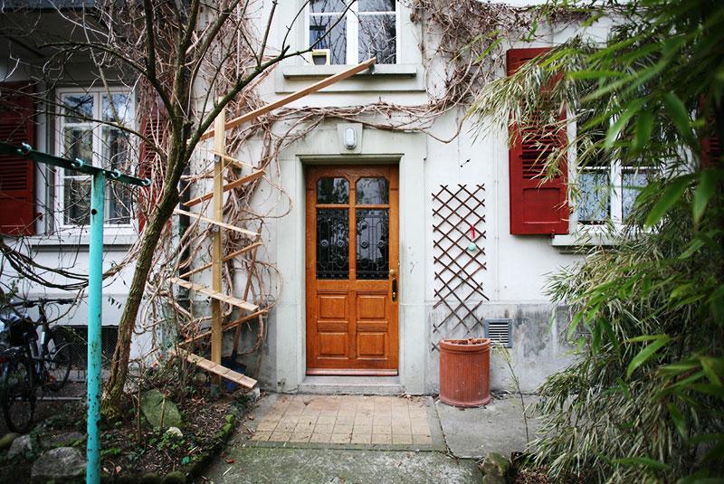 echelles chats ville cat ladders brigitte schuster 1 - Échelles pour Chats Fleurissent sur les Maisons en Suisse