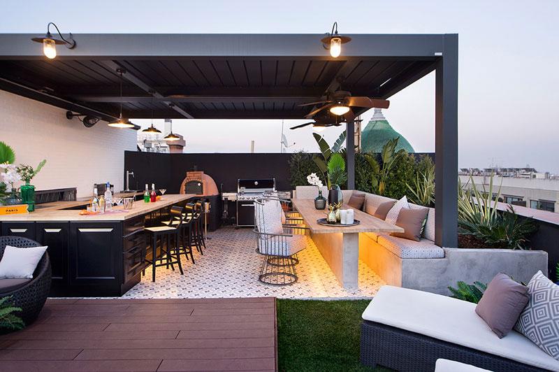 appartement terrasse toit barcelone 3 - Terrasse avec Jacuzzi sur les Toits d'un Appartement à Barcelone