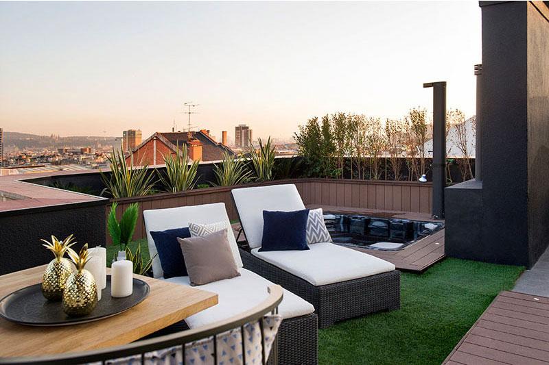 appartement terrasse toit barcelone 5 - Terrasse avec Jacuzzi sur les Toits d'un Appartement à Barcelone