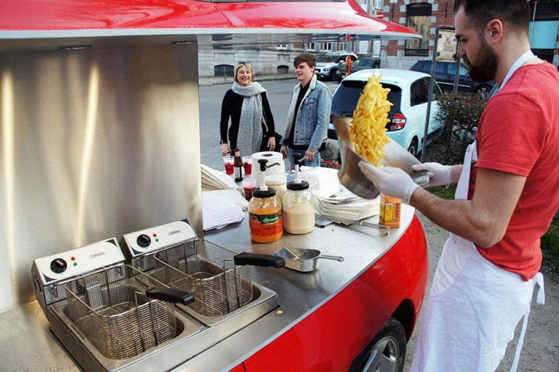 coupe fiat friterie ambulante benedetto bufalino 4 - Il Transforme un Coupé Fiat en Friterie Ambulante