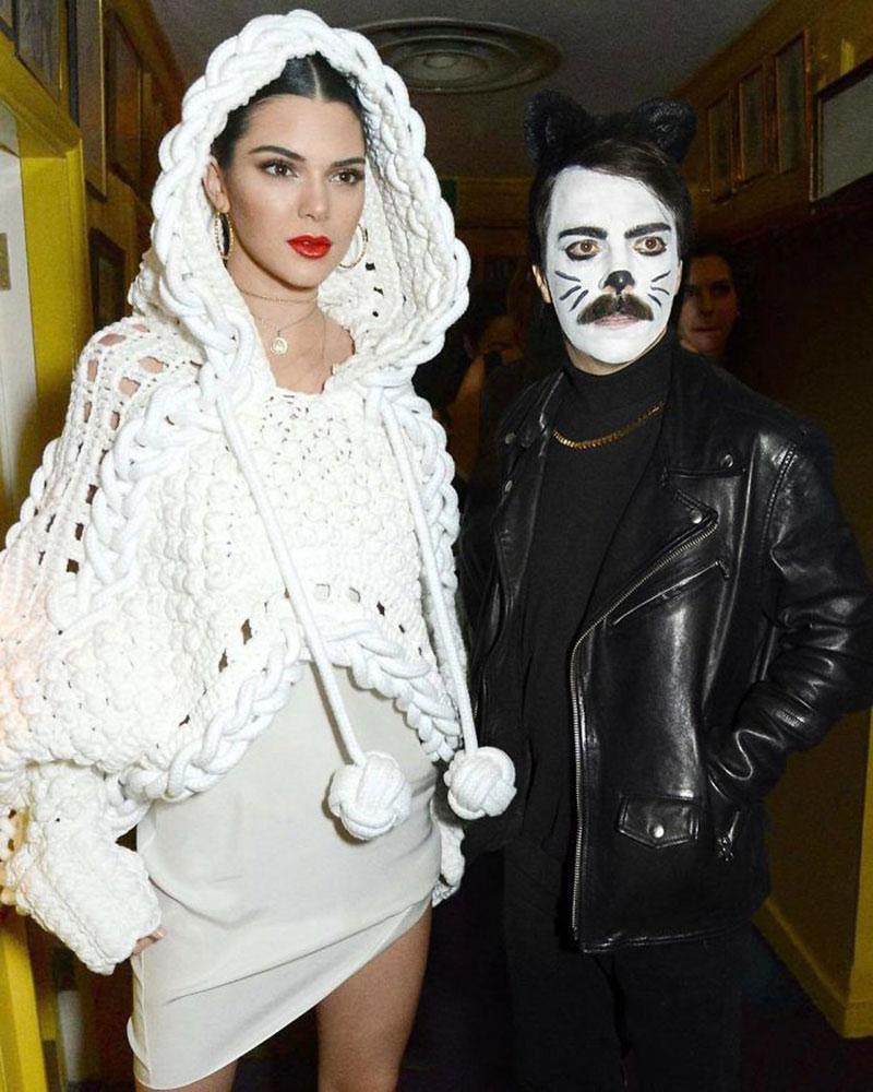 detournement montage photo kirby kendall jenner 8 - Fan de Kendall Jenner, il Continue a se Photoshopper avec Elle