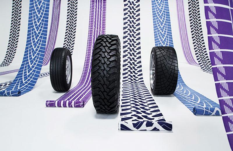 kimono yukata toyo tires motifs tissu pneus 1 - Chics les Traces de Pneus sur les Kimonos Yukata au Japon