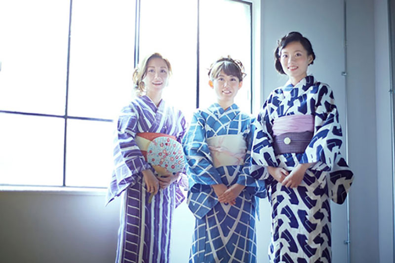 kimono yukata toyo tires motifs tissu pneus 2 - Chics les Traces de Pneus sur les Kimonos Yukata au Japon