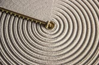 sand day and night clock hologe table sable 2 331x219 - Sand, l'Horloge qui Affiche l'Heure sur du Sable