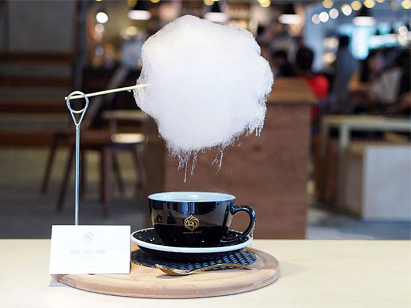 sweet little rain nuage sucre tasse cafe 1 - Poétique Nuage de Sucre au Dessus d'une Tasse de Café