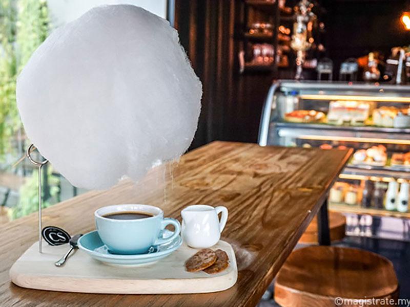 sweet little rain nuage sucre tasse cafe 3 - Poétique Nuage de Sucre au Dessus d'une Tasse de Café