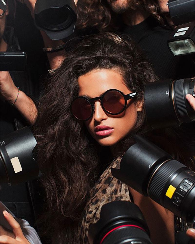 dolce gabbana dglogo lunettes de soleil 2019 campagne 5 - Logo Dolce & Gabbana sur les Verres des Lunettes de Soleil