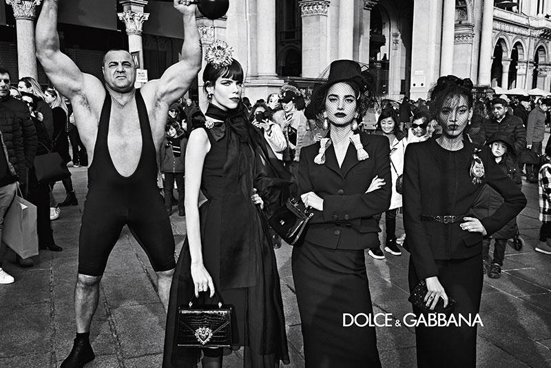 dolce gabbana hiver 2019, La  Femme Dolce & Gabbana en Visite à Milan cet Hiver