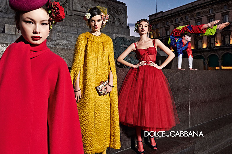 dolce gabbana femme hiver 2019 2020 03 1 - La  Femme Dolce & Gabbana en Visite à Milan cet Hiver