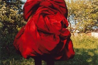 campagne alexander mcqueen hiver 2019 2020 01 331x219 - Pour Alexander McQueen Kate Moss Est Naturellement Chic