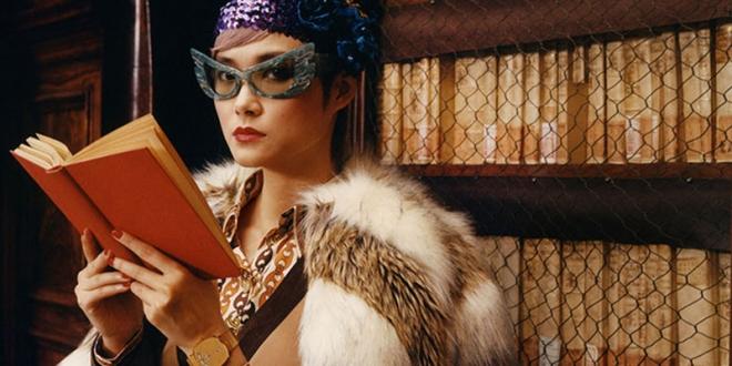 campagne gucci montres bijoux hiver 2019 2020 01 660x330 - Avec Montres et Bijoux Gucci Invite Chris Lee à la Bibliotheque