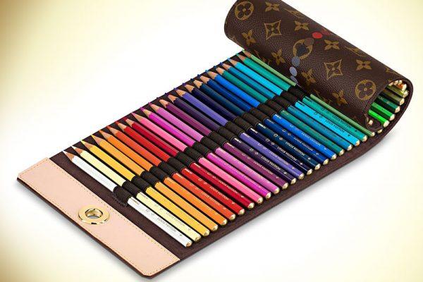 louis vuitton etui cuir crayons de couleur prix 01 600x400 - Ces Crayons de Couleur Louis Vuitton ne Coutent que 650€